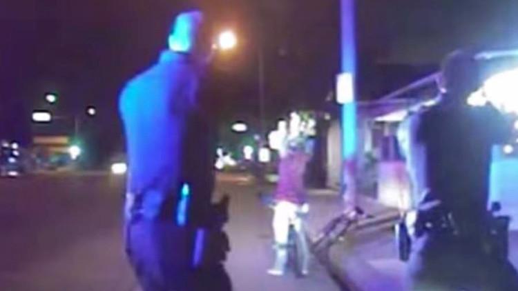 Oficiales de la policía de EE.UU. matan a un latino desarmado