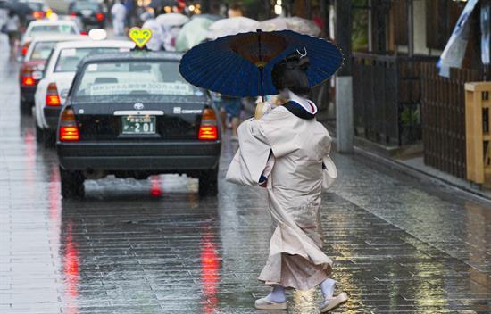 Dos muertos y 39 heridos en Japón a causa de tifón en Japón