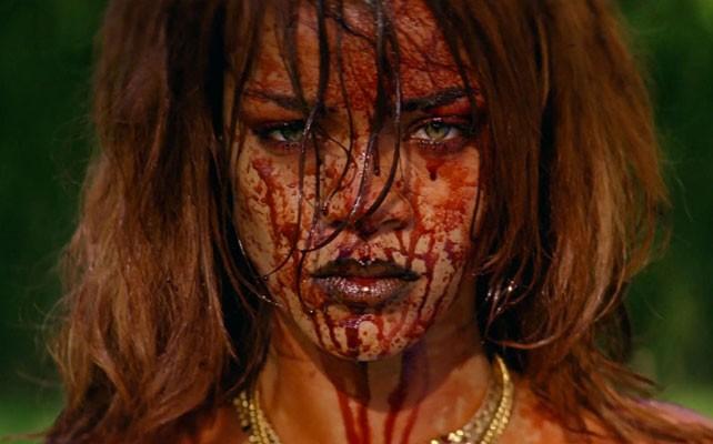 Rihanna, desnuda y cubierta de sangre en su nuevo vídeo