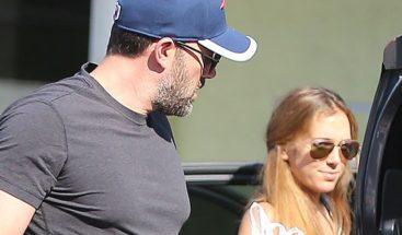 Niñera de los hijos de Ben Affleck asegura fue despedida por su esposa tras conocer su relación con el actor