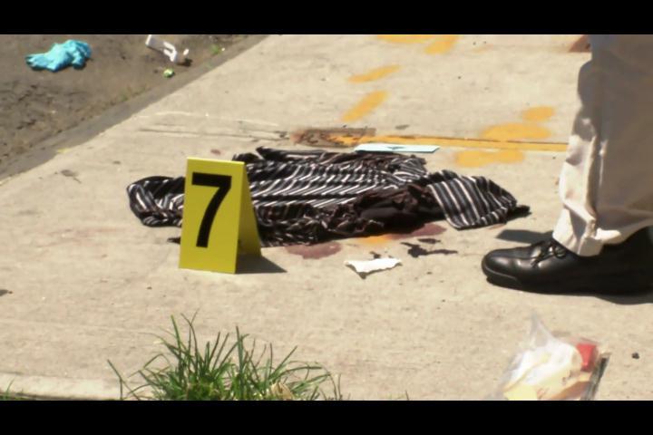 Buscan a hombre por asesinar a puñaladas a un dominicano en El Bronx