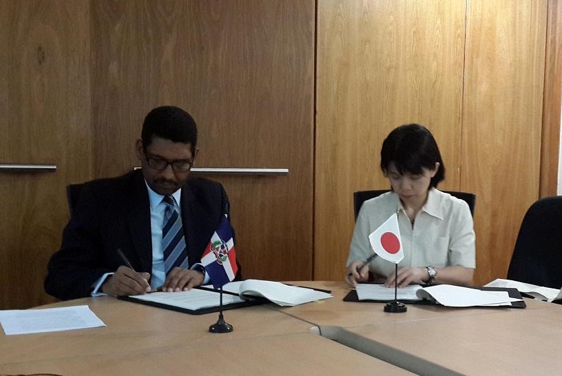 Japón concede a RD tres millones de dólares en equipos para enfrentar desastres naturales