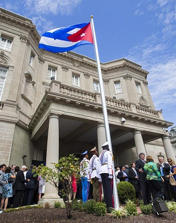 Izan bandera cubana en Washington