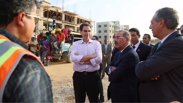 Presidente Medina supervisa trabajos de adecuación de la Nueva Barquita
