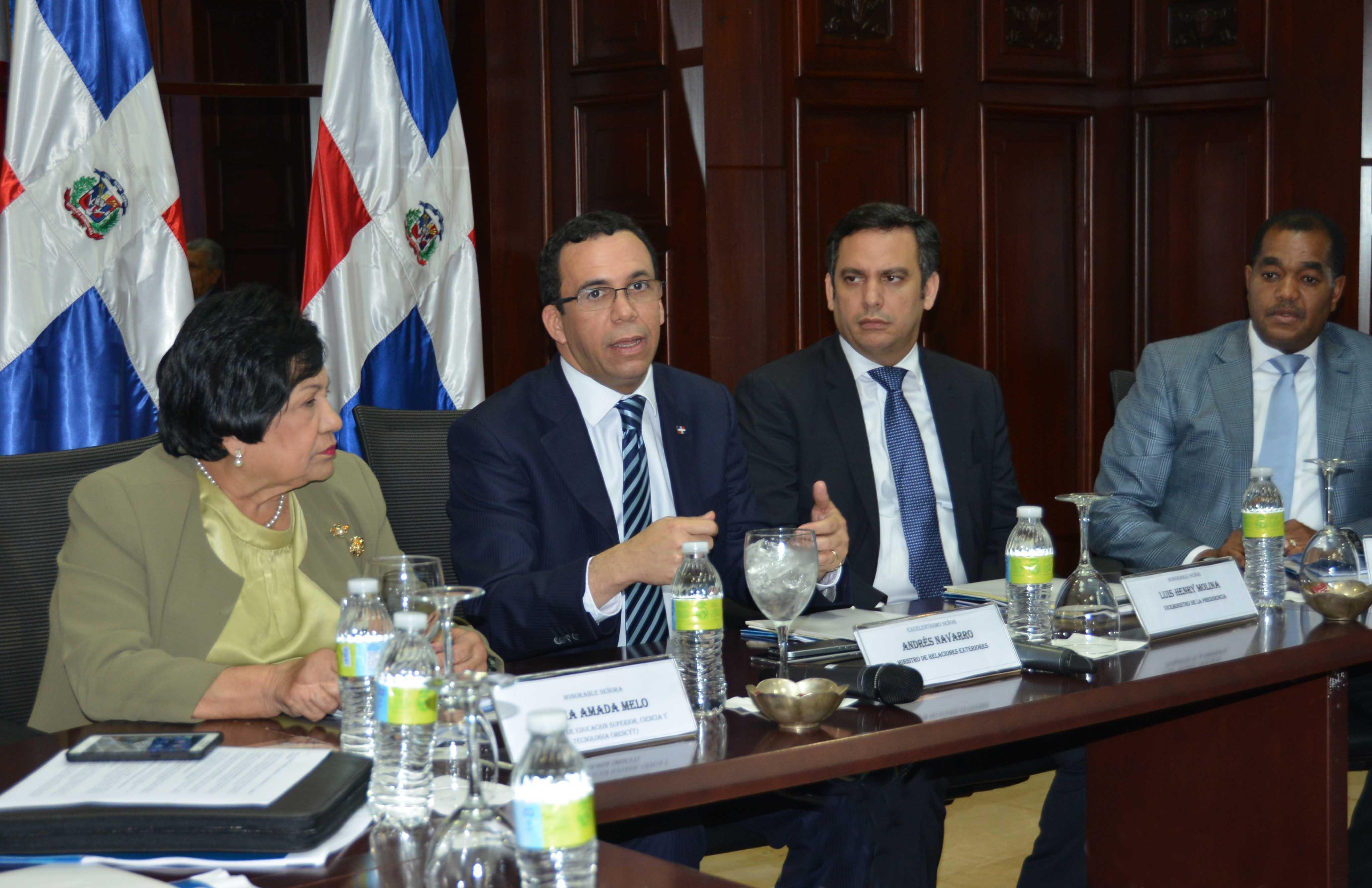 Canciller Navarro llama a universidades RD jugar rol en defensadel país