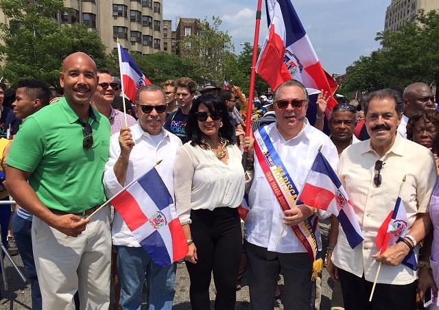 Cónsul de RD en NY exhorta a dominicanos a levantar siempre la Bandera Nacional