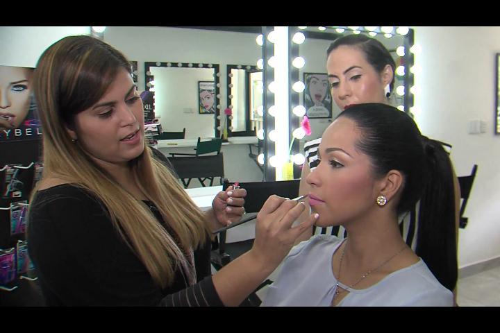Los mejores tips para el maquillaje de tu graduación