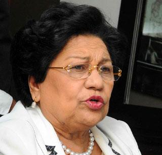 Ministra de educación superior apoya examen único para el ejercicio de la medicina