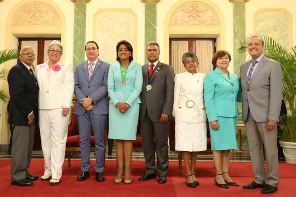 Primera Dama reconoce pediatras por su dedicación y entrega a favor de la niñez