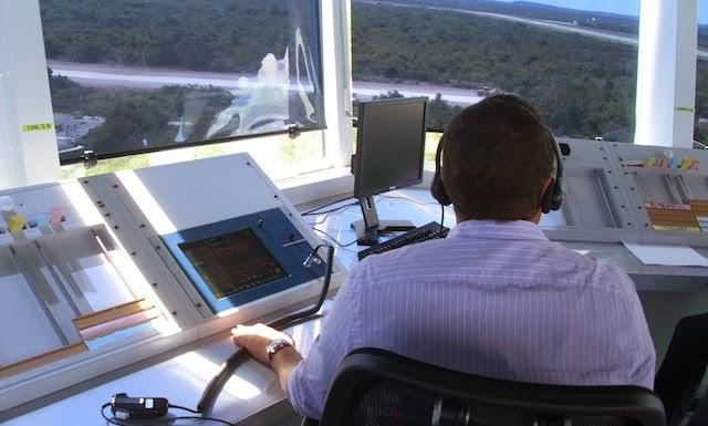 Controladores aéreos continúan lucha a 16 meses de ser cancelados