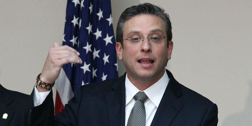 Gobernador de Puerto Rico dice no despedirá funcionarios ni subirá impuestos