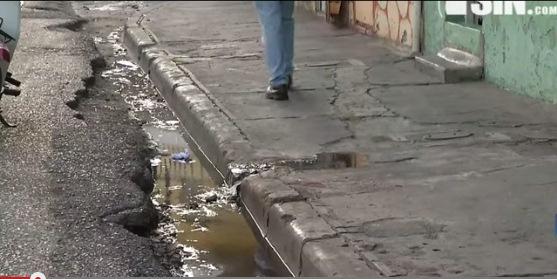 SIN en tu barrio: Denuncian fuga de agua del sistema cloacal en DN