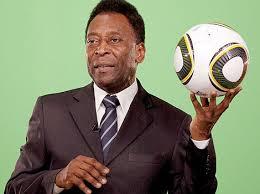 Pelé fue hospitalizado para corregir un problema en la columna