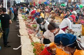 ¡Increíble! Vea como elaboraron el sándwich más largo del mundo