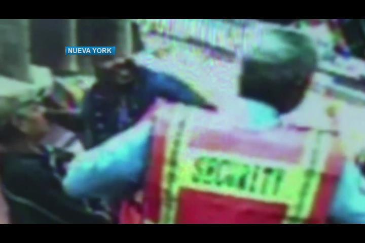 Dominicano es atacado en la cara por desconocido en Nueva York