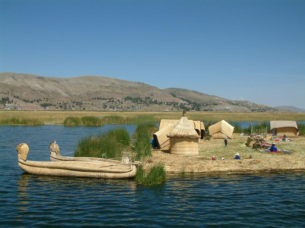 Unos 60 turistas fueron rescatados en Perú tras tormenta en el lago Titicaca