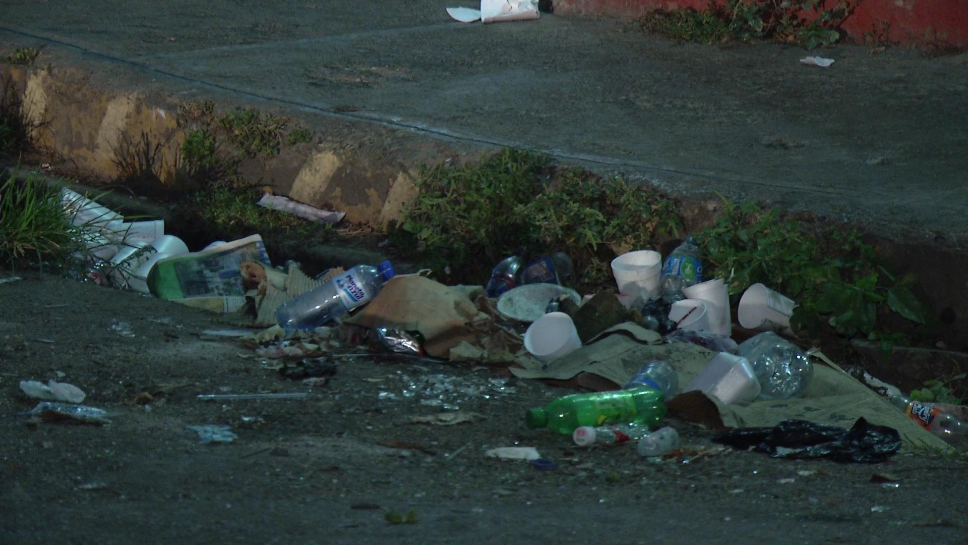 SIN en tu barrio: Residentes en Capotillo se quejan por filtrantes endesagües