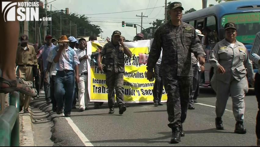 Cañeros marchan hacia embajada de Haití en reclamo de que le devuelvan RD$4 millones