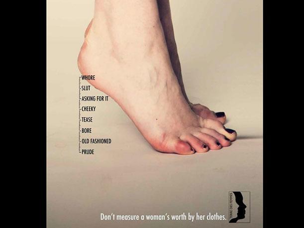 """Realizan campaña """"No midas el valor de una mujer por su ropa"""""""