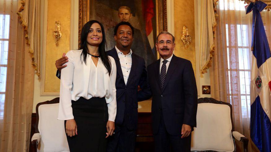 Presidente Medina expresa orgullo por exaltación Pedro Martínez a Cooperstown