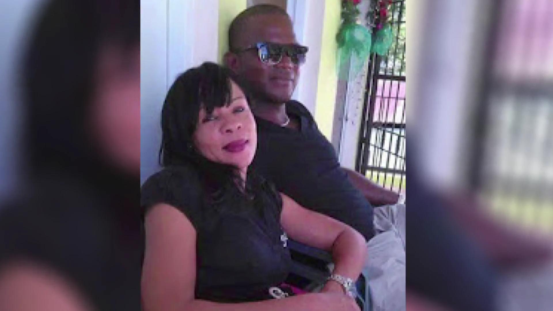 Sepultan restos de mujer hallada muerta en bañera de su vivienda