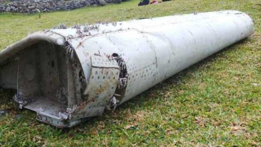 Peritaje del trozo de avión hallado comenzará el miércoles en Francia