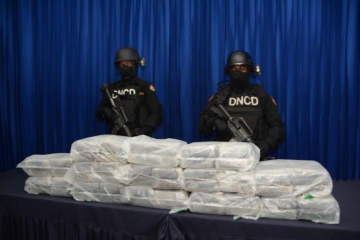 Apresan en Jimaní a narcotraficantes con 50 paquetes de droga procedentes de Haití