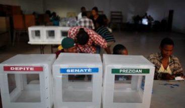 Retrasos en la apertura de muchos colegios electorales en Haití
