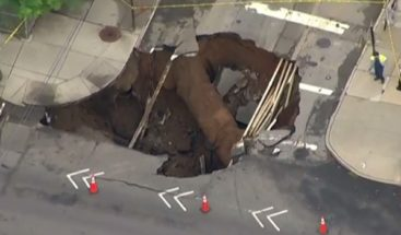 La tierra se abre en Brooklyn y deja un peligroso hoyo gigante