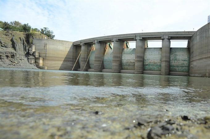 Muere obrero se contaminó mientras limpiaba túnel en presa Tavera Bao