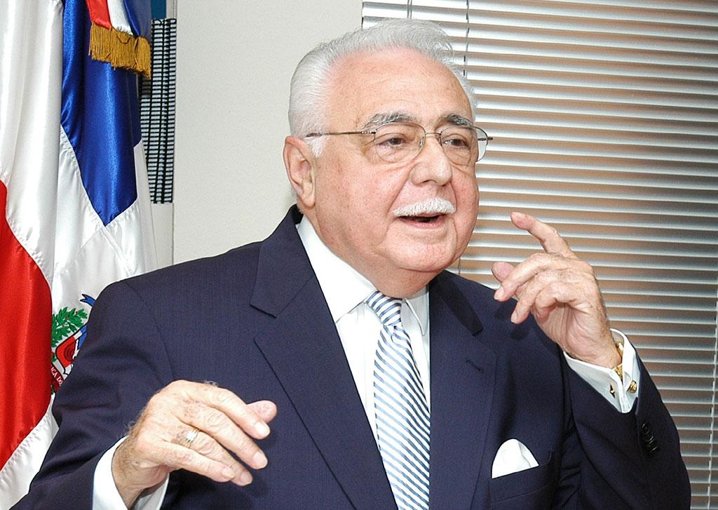 Isa Conde afirma en RD seaproximauna revolución enmateria de hidrocarburos
