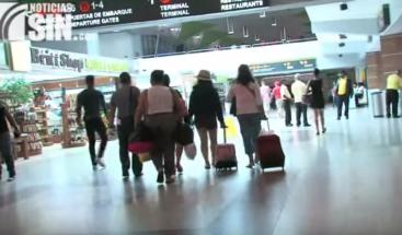 Cancelan algunos vuelos por tormenta tropical Erika en varios aeropuertos de RD