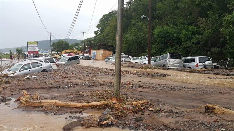 Suben a 27 los muertos en Dominica por paso de tormenta Erika, según prensa
