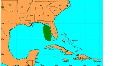 Gobernador de Florida (EEUU) urge a estar alerta por remanente de Erika
