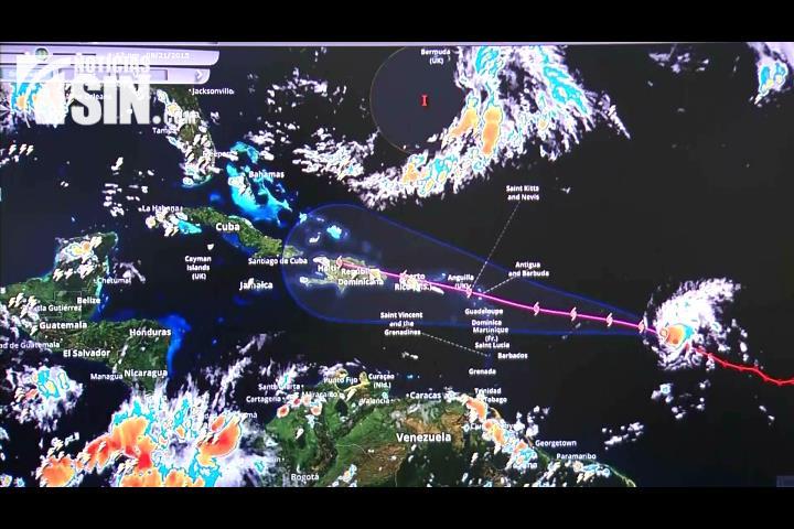Presidente Medina instruye activar plan de prevención ante posible paso de huracán Danny