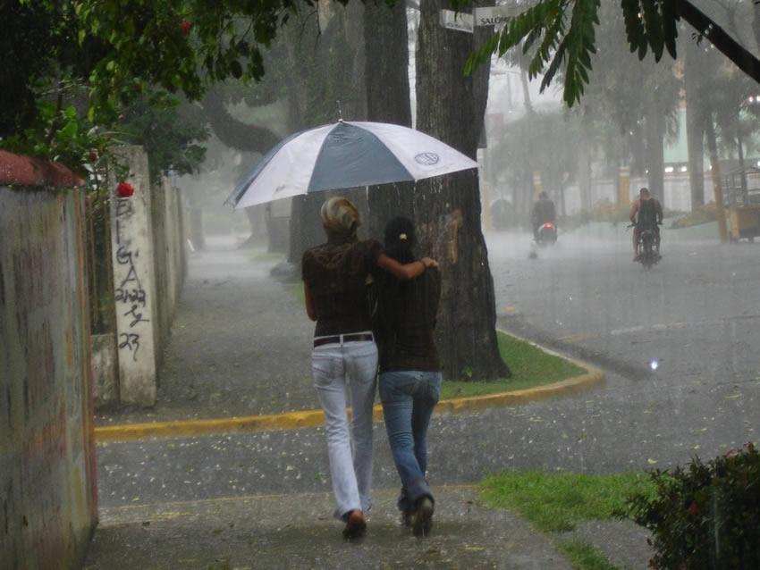COE emite alerta verde para ocho provincias por lluvias