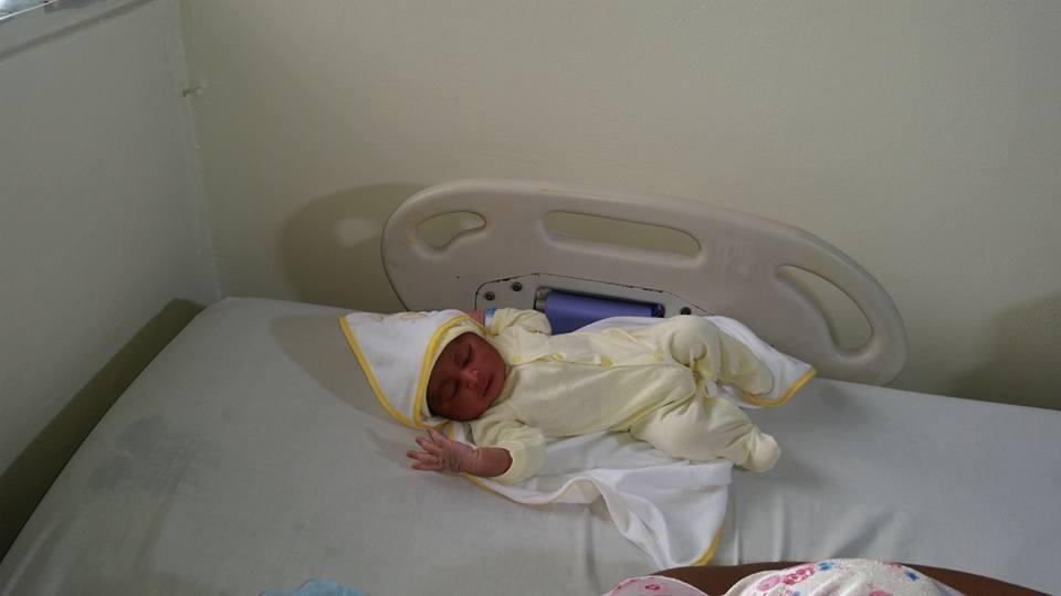 Nace el dominicano número 10 millones, hijo de una adolescente