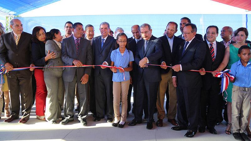 Danilo Medina inaugura cuatro escuelas en Espaillat y La Vega