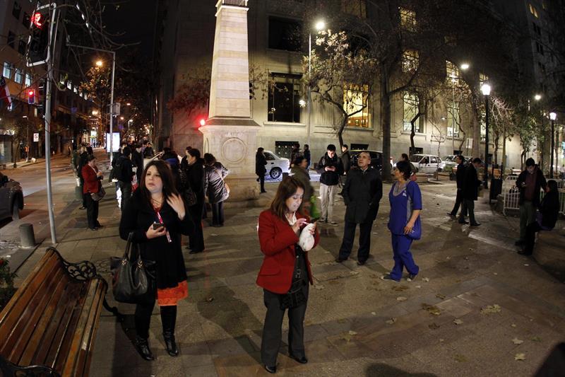 Gobierno de Chile ordena evacuación de ciudades cercanas a las costas