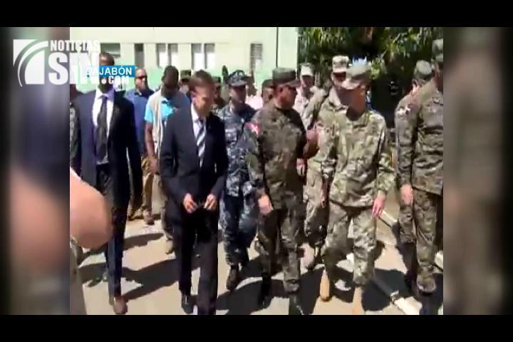 Embajador de EEUU supervisa situación en la Frontera