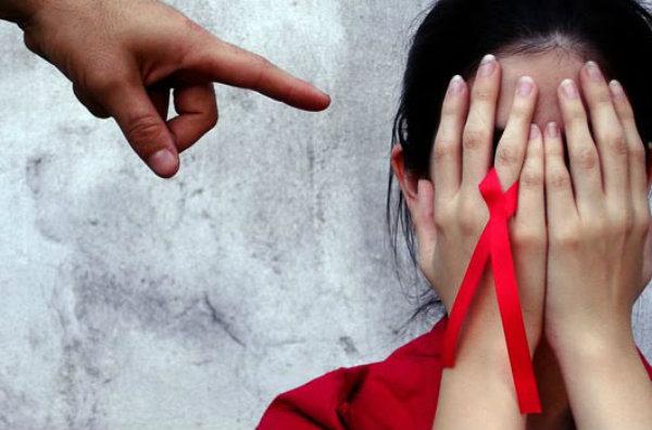 Una clínica en Londres revela por error 780 nombres de pacientes con sida