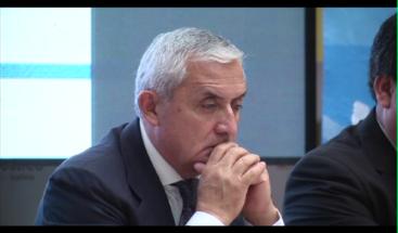 Fiscalía pide a juez que Pérez Molina quede ligado a proceso por corrupción