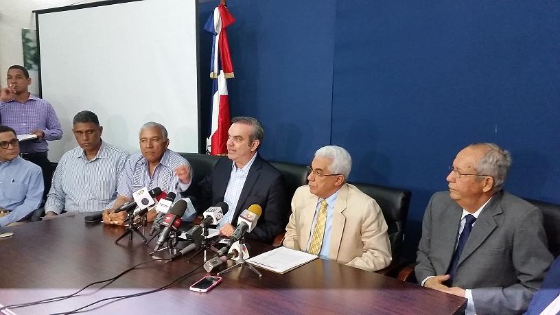 El PRM pide al gobierno rebajar la tarifa eléctrica al menos en 25%