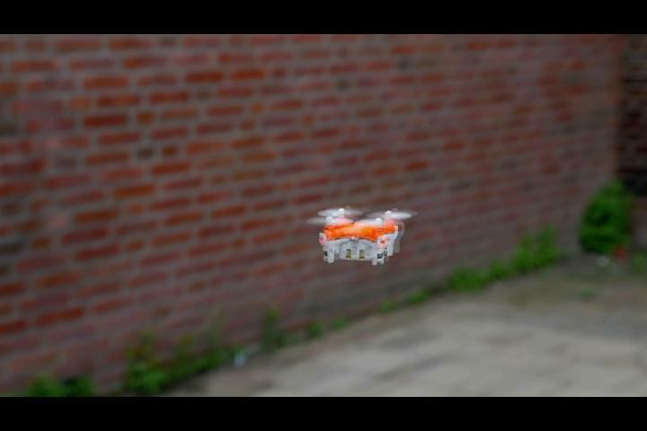 ¡A la venta pública! Conozca el drone más pequeño del mundo