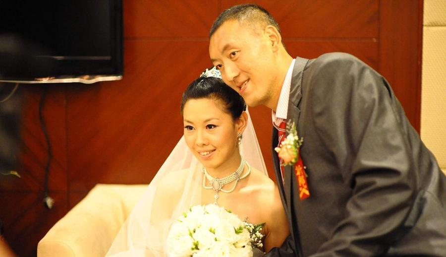 Pareja de atletas chinos consigue el récord Guinness al matrimonio más alto