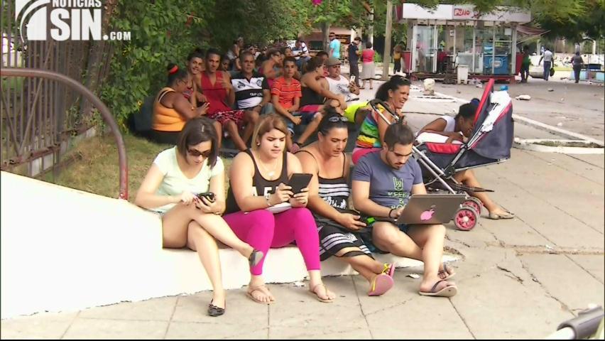 Cuba : Revolución virtual enfrenta al país a un mundo de sueños