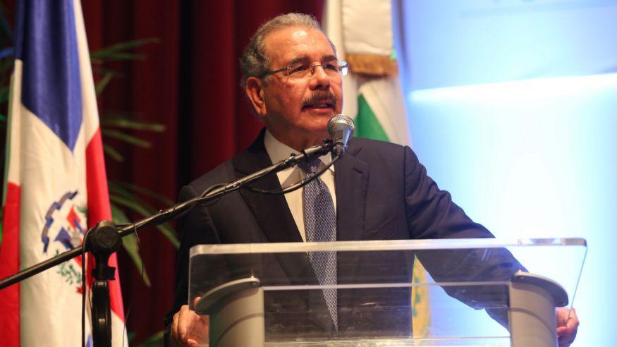 Danilo Medina promete complejo habitacional para 10 mil familias en Santiago