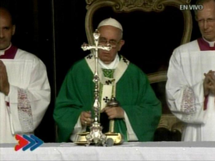 Miles de habaneros y peregrinos se dan cita para primera misa papal