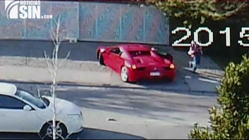 Cámara indiscreta capta robo de un Ferrari