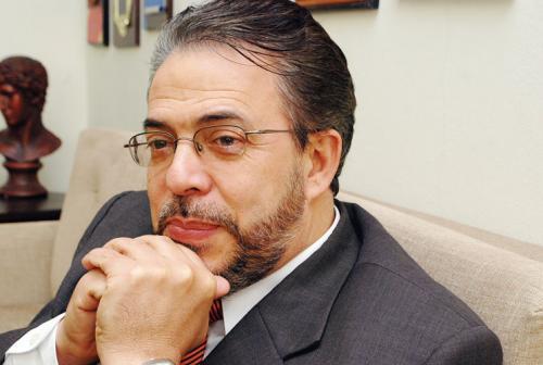 Alianza País elige a Guillermo Moreno candidato presidencial para 2016
